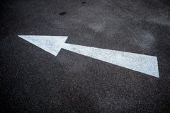 Abstrakte Hintergrundadreßstraße mit Pfeil und Symbolen Lizenzfreies Stockbild