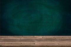 Abstrakte Holztischbeschaffenheit und -kreide rieben heraus auf Tafel Stockfoto