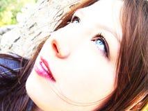 Abstrakte junge Frau lizenzfreies stockfoto