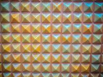 Abstrakte keramische Wandfliesen in Form des Pyramidenhintergrundes Lizenzfreie Stockbilder