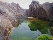 Abstrakte Landschaft einer Pfütze des Wassers stockfoto