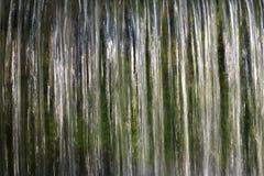 Abstrakte lange Belichtung eines Wasserfalls Stockfotografie