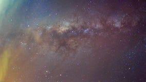 Abstrakte lange Belichtungsphotographie der Milchstraße und des Sternes im nächtlichen Himmel Stockfotografie