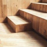 Abstrakte leere Innen-, hölzerne Treppe Stockfotos