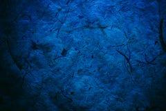 Abstrakte Marineblaubeschaffenheit und -hintergrund für Designer Schönes Foto Raue blaue Beschaffenheit des Recyclingpapiers Naha Stockfoto