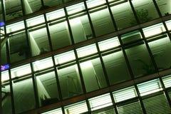 Abstrakte moderne Glasfassade Stockbild