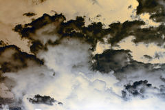 Abstrakte Sturm-Wolken lizenzfreie stockbilder