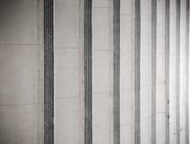 Abstrakte Treppe in Schwarzweiss Stockfotos