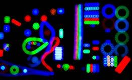 Abstrakte Unschärfe des Hintergrundschwarzen der elektrischen Lichter, Weichzeichnung Stockfoto