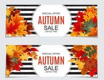 Abstrakte Vektor-Illustration Autumn Sale Background mit fallendem Autumn Leaves Lizenzfreie Stockfotografie