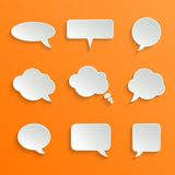 Abstrakte weiße Sprache-Blasen eingestellt stock abbildung