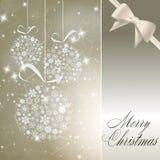 Abstrakte Weihnachtskugeln gebildet worden von den weißen Schneeflocken Stockfoto