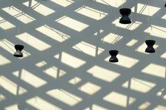 Abstrakte Zusammensetzung mit Lampe und Schatten Stockfoto