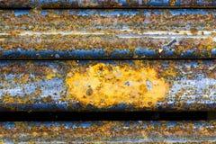Abstrakte Zusammensetzung mit metallischer Beschaffenheit mit Rost Stockfoto