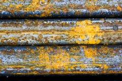 Abstrakte Zusammensetzung mit metallischer Beschaffenheit mit Rost Stockfotografie