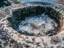 Abstrakter Abschluss oben eines minigolf Lochs lizenzfreie stockbilder