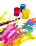Abstrakter Acryllack mit Pinsel Lizenzfreie Stockbilder