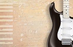 Abstrakter beige Grungeklavierhintergrund mit E-Gitarre Lizenzfreie Stockfotos
