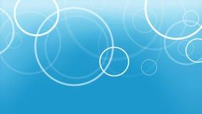 Abstrakter blauer Hintergrund mit Kreisringen überlagerte im neuen Muster Stockbild