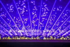 Abstrakter blauer Hintergrund mit Lichteffekt Stockfotos