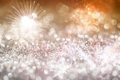 Abstrakter Feiertagshintergrund mit Feuerwerken Lizenzfreie Stockbilder