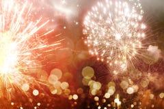 Abstrakter Feiertagshintergrund mit Feuerwerken Stockfoto