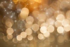 Abstrakter Feiertagshintergrund mit Feuerwerken und funkelnden Lichtern Stockfotos