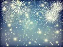 Abstrakter Feiertagshintergrund mit Feuerwerken und funkelnden Lichtern Lizenzfreie Stockfotografie