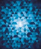 Abstrakter geometrischer Hintergrund mit blauen Dreiecken Stockbilder