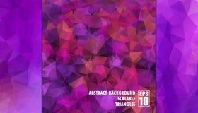 Abstrakter geometrischer Hintergrund von Dreiecken in den purpurroten Farben Stockbilder