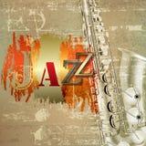 Abstrakter Grungeklavierhintergrund mit Saxophon Lizenzfreie Stockfotos