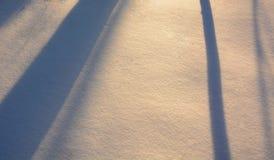 Abstrakter Hintergrund des Schnees und des Schattens Lizenzfreie Stockfotografie