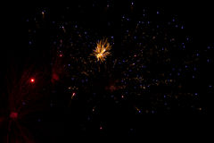 Abstrakter Hintergrund: Feuerwerke, die wie Galaxie aussehen Stockfotografie