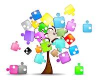 Abstrakter Hintergrund mit Baum und buntem Puzzlespiel Lizenzfreies Stockfoto