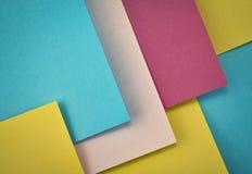 Abstrakter Hintergrund mit farbigen Papieren Lizenzfreies Stockbild