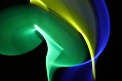 Abstrakter Hintergrund mit Lichtern in unscharfer Bewegung in der Nacht oder in den Feuerwerken an Sylvesterabend Stockfotos