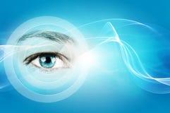 Abstrakter Hintergrund mit menschlichem Auge Stockfotografie