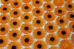 Abstrakter Hintergrund mit orange Kreisen Stockfotos