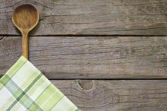 Abstrakter Lebensmittelhintergrund auf Weinlesebrettern Lizenzfreie Stockbilder
