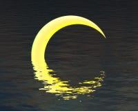 Abstrakter Mond über Wasserreflexion Lizenzfreies Stockfoto