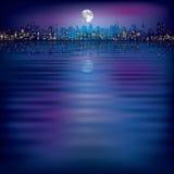 Abstrakter Nachthintergrund mit Schattenbild der Stadt Stockfoto