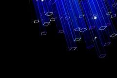 Abstrakter schwarzer Hintergrund mit hellfarbigen Neonprismen Stockfoto