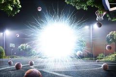 Abstrakter streetball Gerichtshintergrund in den Lichtern stockfotos