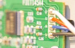 Abstrakter Technologiehintergrund der Leiterplatte und des Drahtes Lizenzfreies Stockfoto