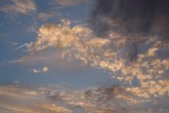 Abstrakter Wolkenhintergrund Stockfotografie