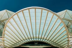 Abstraktes Architekturdetail von Gare tun Bahnstation Oriente Lissabon Oriente Stockfoto