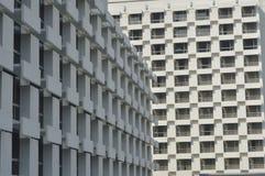 Abstraktes Architekturfragment und -fenster Stockfoto