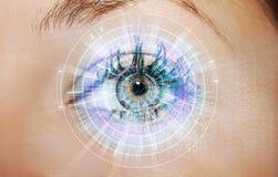 Abstraktes Auge mit digitalem Kreis Zukunftsvorstellungswissenschaft und indentification Konzept Lizenzfreie Stockfotos