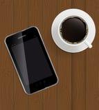 Abstraktes Auslegungstelefon, Kaffee auf Vorstände Hintergrund Stockbild