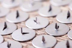 Abstraktes Bild des Metallscharfen Druckbolzens, selektiver Fokus Lizenzfreie Stockfotos